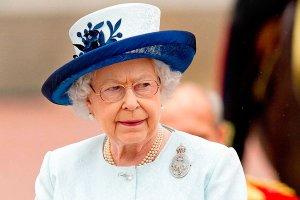 В Виндзорском дворце назревает забастовка против навязывания Елизаветой II бесплатных дополнительных услуг