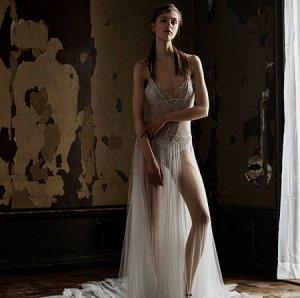 Волнительное подстрекательство: «прозрачная» коллекция свадебных платьев от Vera Wang