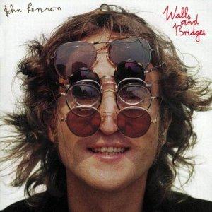 Цена легендарных круглых очков Джона Леннона составит $40.000