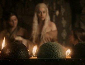 """Джей Зи подарил Бейонсе реквизитное «яйцо дракона» из """"Игры престолов"""""""