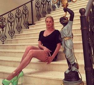 Получив от жизни всё, Волочкова почувствовала себя одинокой
