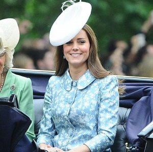 Первый после родов официальный выход «в народ» герцогини Кейт Миддлтон