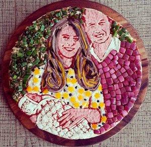 Герцогов Уильяма и Кейт, и их дочь принцессу Шарлотту «изобразили» на пицце