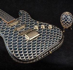 Гитара с бриллиантами в стиле «аля-фаберже» уйдёт с молотка за $1.000.000 (видео)