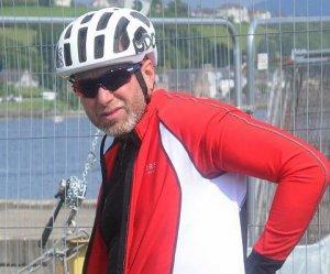 Роман Абрамович совершил воскресную велопрогулку по улицам Шотландии