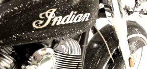 Мотоцикл, инкрустированный кристаллами Swarovski, от певицы Анжелики Гани (видео)