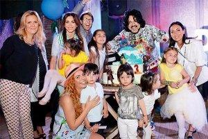 Дружная компания: детям из звездных семей нравится проводить время вместе