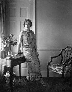 Стандарты женской красоты за прошедшие 100 лет (видео)