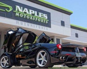 Уникальный суперкар LaFerrari уходит с молотка в Америке за $5.000.000