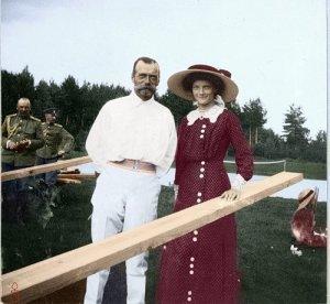 На женевских торгах неизвестным покупателем были куплены все фотоснимки царской семьи