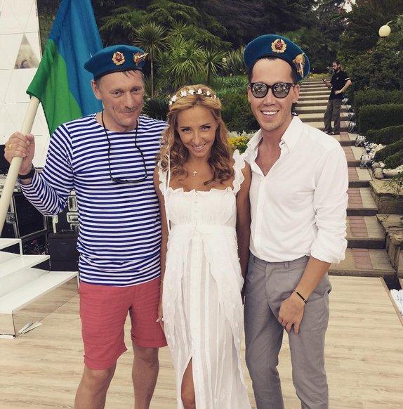 На второй день свадьбы Песков пришел в берете ВДВ и - BFM ru