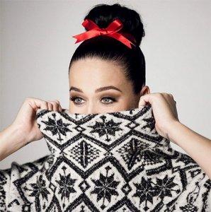 Кэти Перри назначили лицом рождественской коллекции H&M