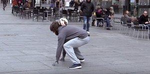 Переодевшись в бомжа Криштиану Роналду, разыграл жителей Мадрида (видео)