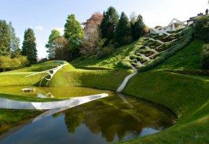 Ради встреч с внуком Принц Чарльз разбил экзотический сад (видео)