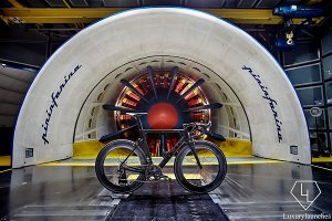 Карбоновый велосипед De Rosa SK Pininfarina без труда покорит все дороги