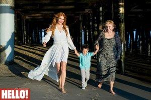 Фото Анастасии Стоцкой и ее родных для издания HELLO!