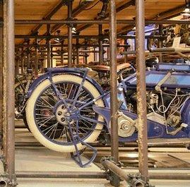 Гоночный мотоцикл – 90-летний Harley-Davidson, продан в Мельбурне