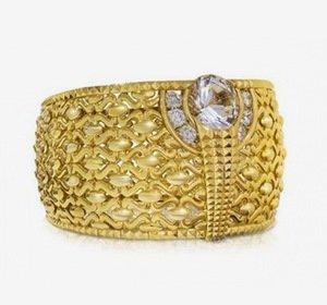 Самое большое кольцо из золота было показано на выставке в ОАЭ