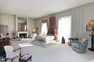 Компания Chanel куплен оособняк, где жила Коко Шанель
