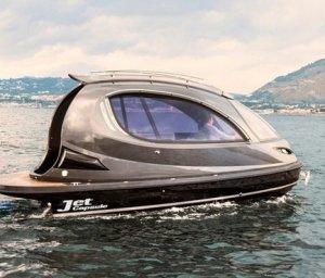 Jet Capsule – нечто среднее между скутером и яхтой (видео)
