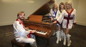 Рояль группы АВВА продан на аукционе за $1,2 миллиона