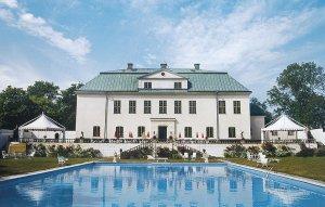 Старинный шведский дворец уйдёт с молотка вместе с мебелью и привидениями