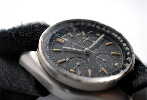 Часы, «летавшие» на Луну, будут проданы с молотка