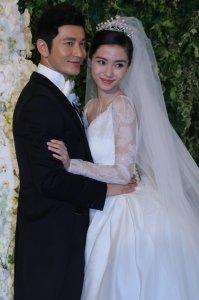 Невероятно пышная и безумно дорогая свадьба молодой китайской актрисы