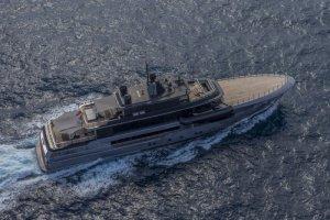 Яхта «Атлант» в стиле «милитари»
