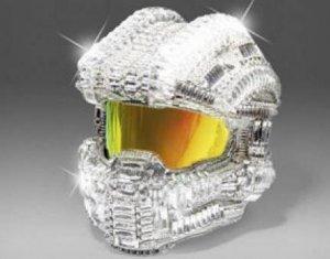 Шлем из видеоигры Halo, украшенный кристаллами Swarovski (видео)