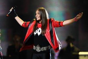 После замужества 17-летняя дочь Майкла Джексона может потерять состояние отца