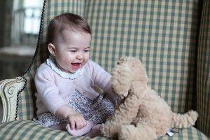 Обнародованы новые фотографии принцессы Шарлотты