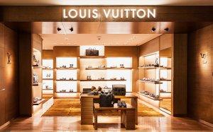 Галерея мужской обуви Louis Vuitton в ЦУМе