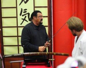 Стивен Сигал, Вера Брежнева и Валерия на открытии выставки «Путь самурая»