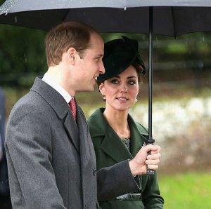 Посещение рождественской церковной службы британской королевской семьей