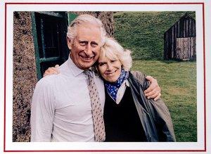 Рождественская открытка от принца Чарльза и герцогини Камиллы