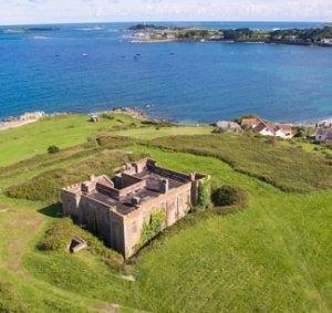 Продается старинный форт, использовавшийся во время Второй мировой войны