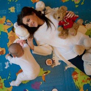 Фотографии Лены Темниковой и ее маленькой дочки Саши на обложку журнала