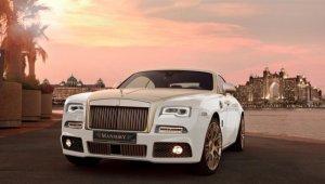 Автомобиль Rolls-Royce на вес золота