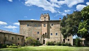 900-летний замок Тосканы превратится в гостиницу