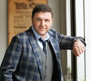 Запонки Максима Виторгана выставлены на аукцион