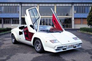 Повзрослев, дети 80-х покупают автомобили, о которых мечтали в детстве