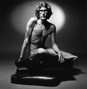 Эксперимент в стиле Ива Сен-Лорана: обнаженное тело Димы Билана