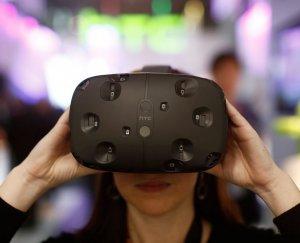 Опережая время: Компания Valve продаёт шлем виртуальной реальности HTC Vive, не имея к нему специальных игр и приложений
