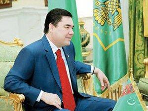 Навруз-байрам туркмены встречают вместе с книгой написанной туркменским главой