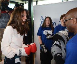 Кейт Миддлтон пробует себя в боксе