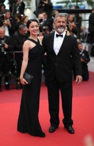 Молодую избранницу Мела Гибсона увидели на Каннском кинофестивале