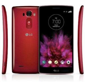 Новый телефон LG G Flex 3 с необычной формой монитора должен поступить в продажу осенью