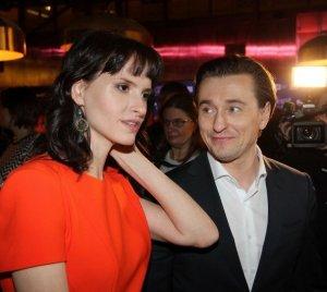 В семье Сергея Безрукова и Анны Матисон ожидается рождение малыша