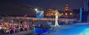 Фанатам не понравилось, как выступила Ани Лорак на недавнем концерте